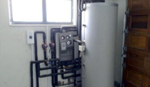 1000L Solar Hot Water System located in a residential Garage